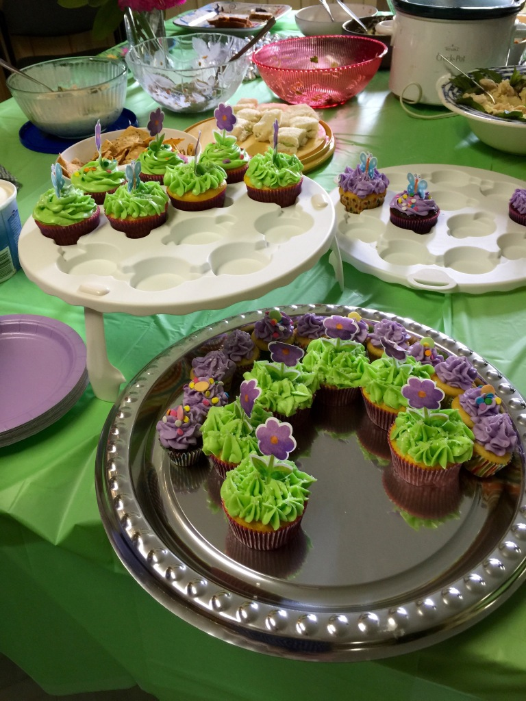 Brenda's beautiful cupcakes.